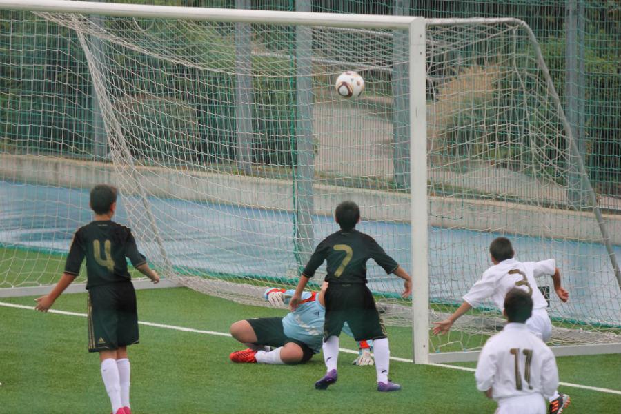 Partido de fútbol en la prueba de acceso al Real Madrid