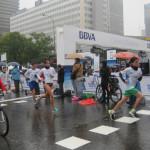 En las carreras populares participan tanto aficionados como profesionales.