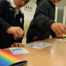 En los talleres para familias del Thyssen participan niños de todas las edades