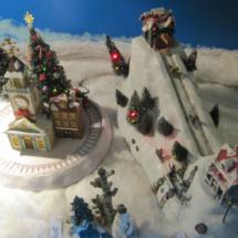 Tienda-exposición de cajas de música navideñas en Rincón Musical de Madrid.