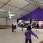 Estas pistas de hielo se instalan para la temporada navideña.
