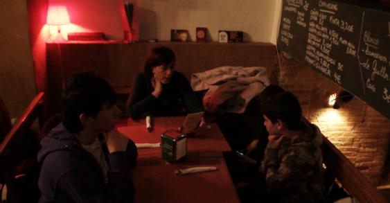 Salimos a comer con los niños al restaurante Bootleg