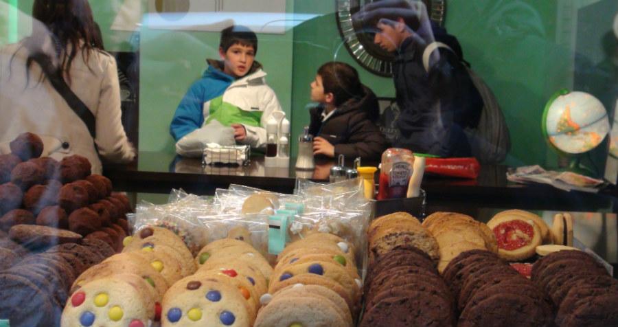 Merendamos en la tienda de galletas Demasiè, en Barcelona