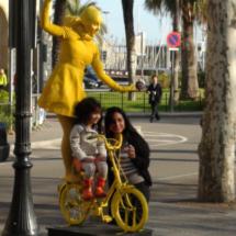 Hoy paseamos con los niños por Las Ramblas de Barcelona