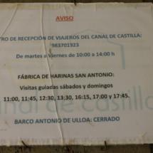 Aviso en el centro de recepción de viajeros del Canal de Castilla