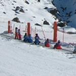 Cómo empezar a esquiar con niños: cursos de esquí