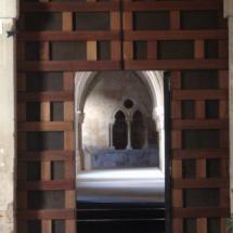 Puerta del monasterio cisterciense de Santa María de Huerta.
