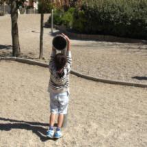 Además de aprender, los niños saltan, corren, juegan...