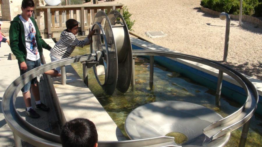 En el Valle de los 6 sentidos, en Valladolid, los niños aprenden jugando