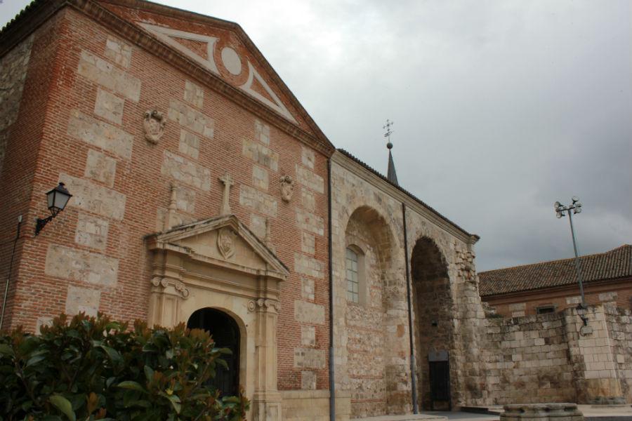 Plaza de cervantes y centro hist rico de alcal de henares - Fontaneros en alcala de henares ...