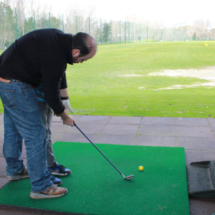 La postura para jugar al golf es una parte importante de la técnica