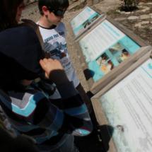 Carteles explicativos en la piscifactoría del Valle del Jerte