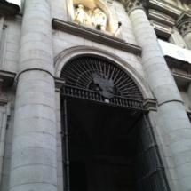 Puerta de la colegiata de San Isidro