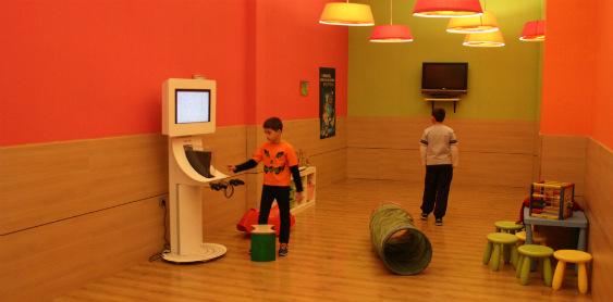 Sala de juegos para niños en el hotel Novotel de Bilbao