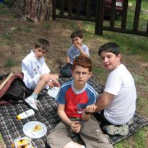 Picnic en Valdemaqueda: la mesa de los pequeños :)