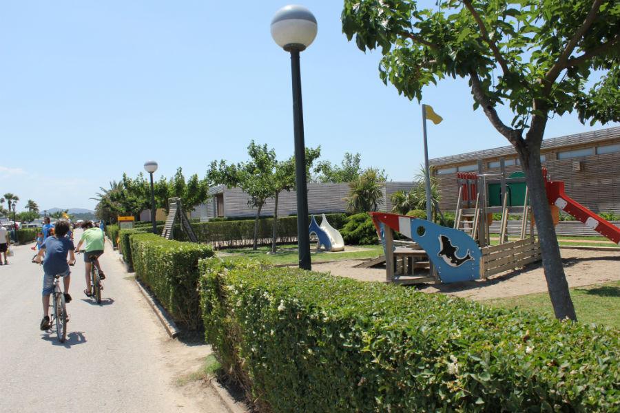 Instalaciones del camping La Ballena Alegre, en Girona