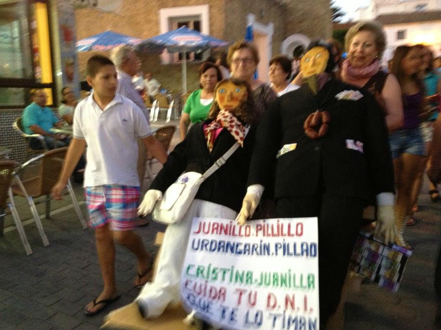 Fiesta de las hogueras de San Juan en Conil