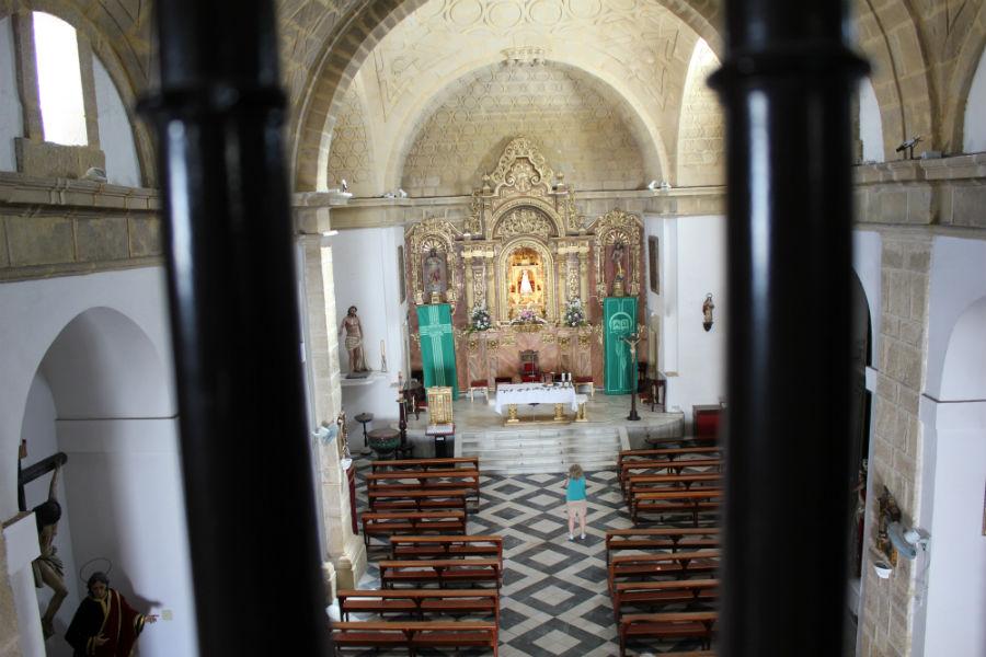 Vista general de la iglesia de Santa Catalina, en Conil de la Frontera