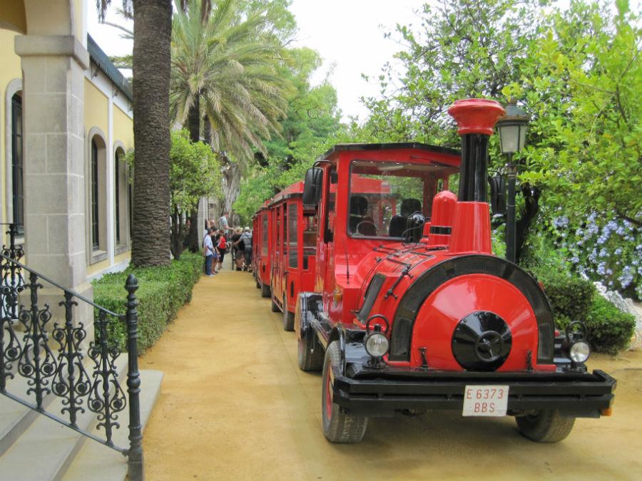 Tren para el recorrido por el Museo Tío Pepe de Jerez