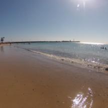 Playa de La Caleta, en Cádiz, con niños