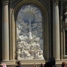 Detalle de la fachada de la basílica del Pilar de Zaragoza