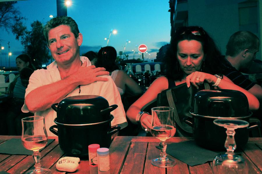 Cuando vamos a Palavas disfrutamos de una cena muy entretenida con nuestra familia francesa