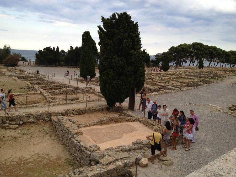 Visitamos las ruinas romanas y griegas de Ampurias