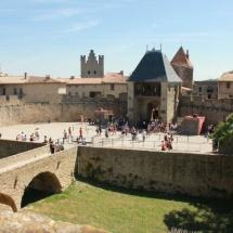 Carcassonne recibe a diario cientos de visitantes.