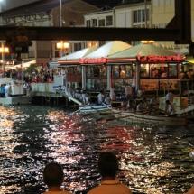 A mediados de agosto, Palavas les Flots celebra sus fiestas con justas medievales en el agua.