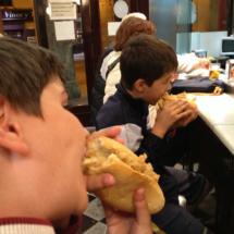 Probamos los mejores bocatas de calamares de Madrid