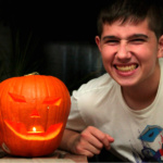 Cómo decorar una mesa para Halloween con poco dinero