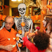 La decoración es esencial para ambientar una fiesta de Halloween en casa