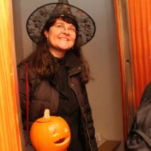 Disfraces para Halloween: bruja con calabaza