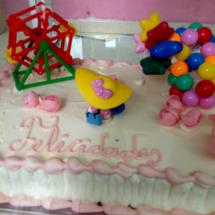 Tarta decorada para un cumplaños infantil