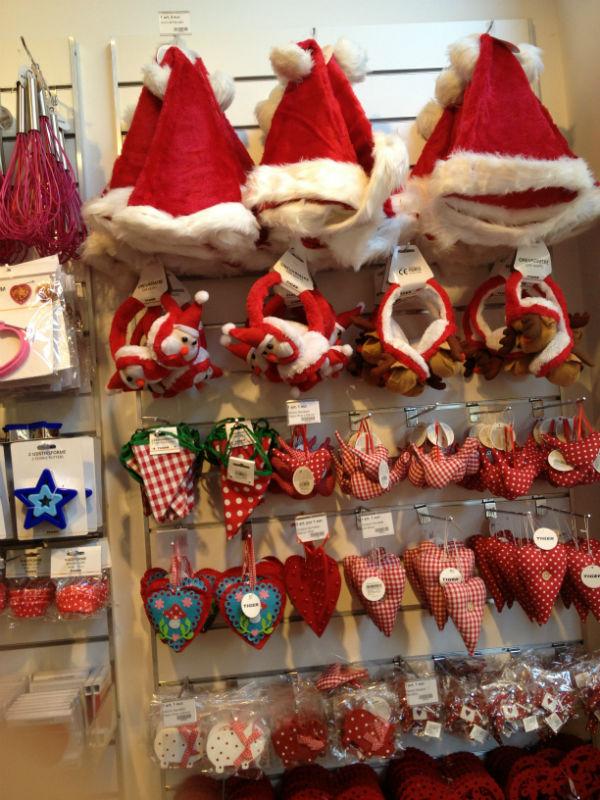 adornos navide os baratos en las tiendas tiger