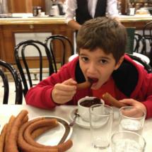 Merendamos con los niños en la Chocolatería Valor