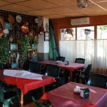 Sala del restaurante Bar-Ranco, en Granada