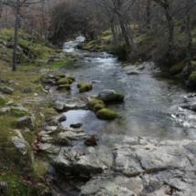 El río Aguilón atraviesa la ruta de la Cascada del Purgatorio
