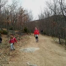También en invierno, los pequeños pueden corretear y 'desestresarse' en una ruta a pie por el campo