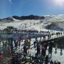 Formigal está siempre repleta de familias aprendiendo a esquiar