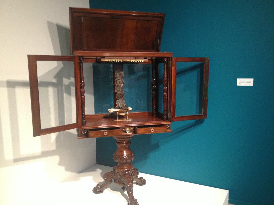 Reproducción de la máquina para recuperar papiros inventada por Antonio Piaggio