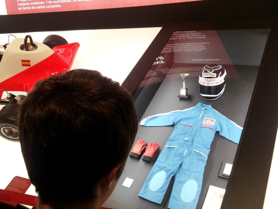 El primer mono de piloto de Fernando Alonso
