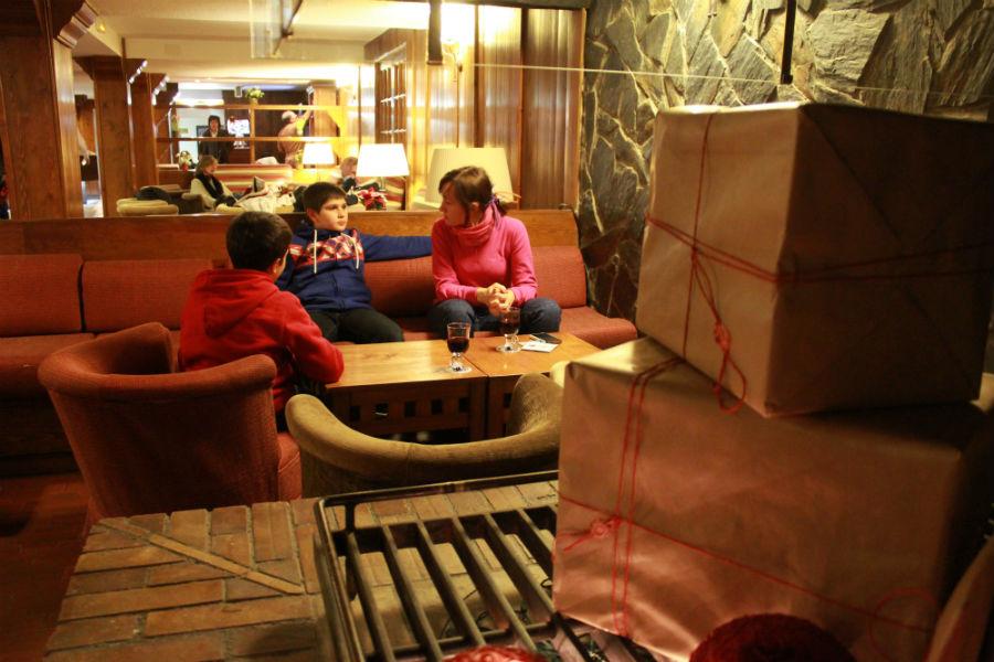 El hotel Nievesol cuenta con zonas de descanso pensadas para familias