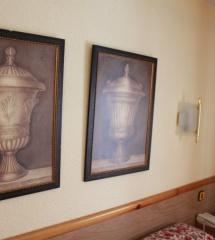 Algunos elementos decorativos del hotel Nievesol, en Formigal