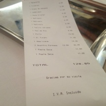 Una cena familiar en La Fontana puede salir por unos 18 euros por persona