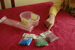 Materiales para hacer una pulsera de gomas