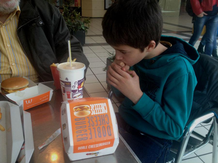 Restaurante McDonald's en Burgos, con descuento para familias numerosas.