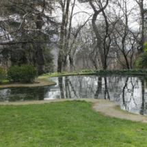 Laguna en el Parque del Capricho de Madrid