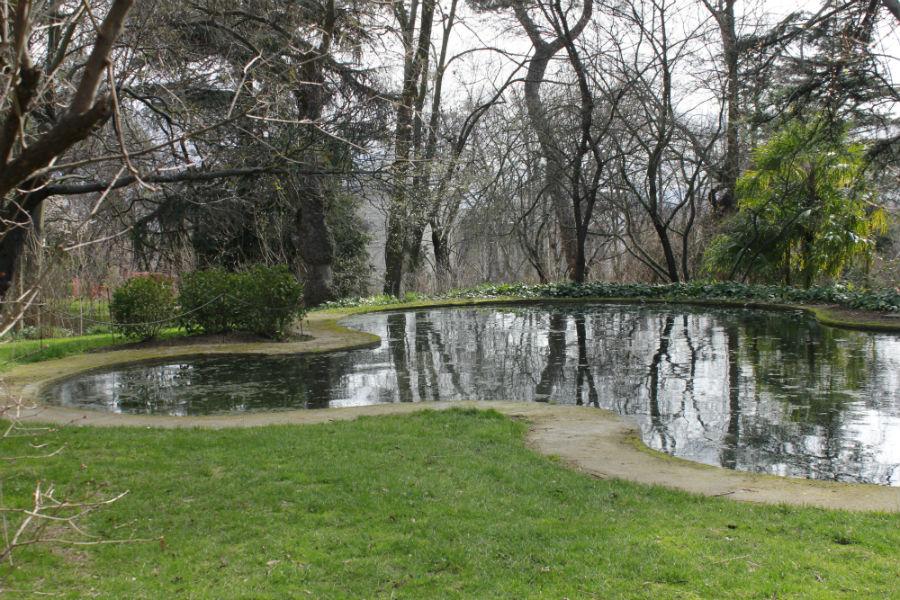 Parque del capricho en madrid for Jardin historico el capricho paseo alameda de osuna 25