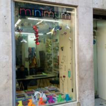 Fachada de la tienda de origami Minimum